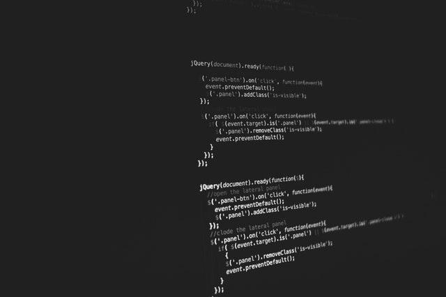 IT業界で活躍するために取るべき資格は?