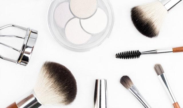 化粧品販売職への転職で注意すべきこと