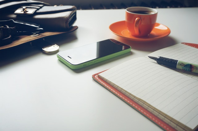 職務経歴書の送付マナー|送付状準備と郵送・メール送信の方法